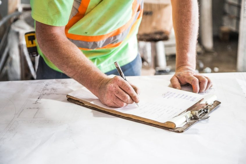 Top 5 Mistakes to Avoid When Hiring a Contractor